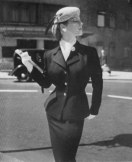 Ciao Bellissima - Vintage Glam; 1951 Notice the scarf? around the neck.