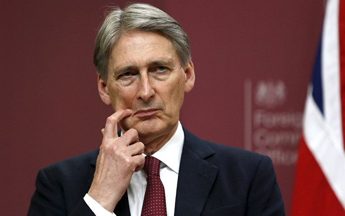 Philip Hammond has said the UK will come out the single market as part of its decision to leave the EU, but will negotiate access to the bloc. jul16