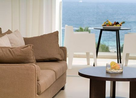 These sophisticated modern rooms are comparing favourably with any 5 star deluxe accommodation. Drowned in luxury and elegance they are characterized by a private and distinguished ambience with a large balcony and breathtaking views of the Mediterranean Sea.