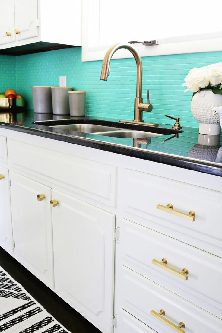 Best Laura S Kitchen Before After A Beautiful Mess Diy 400 x 300