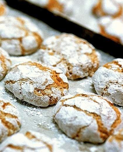 Ricciarelli di Siena / siena biscuits