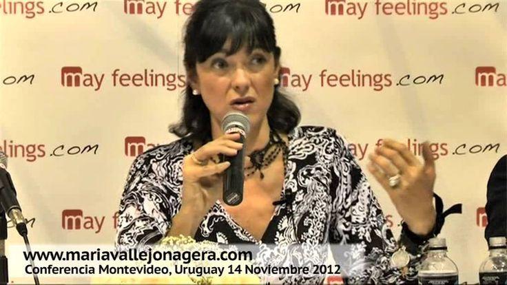 Conferencia de María Vallejo-Nágera en Montevideo (Uruguay) el 14 de Nov...