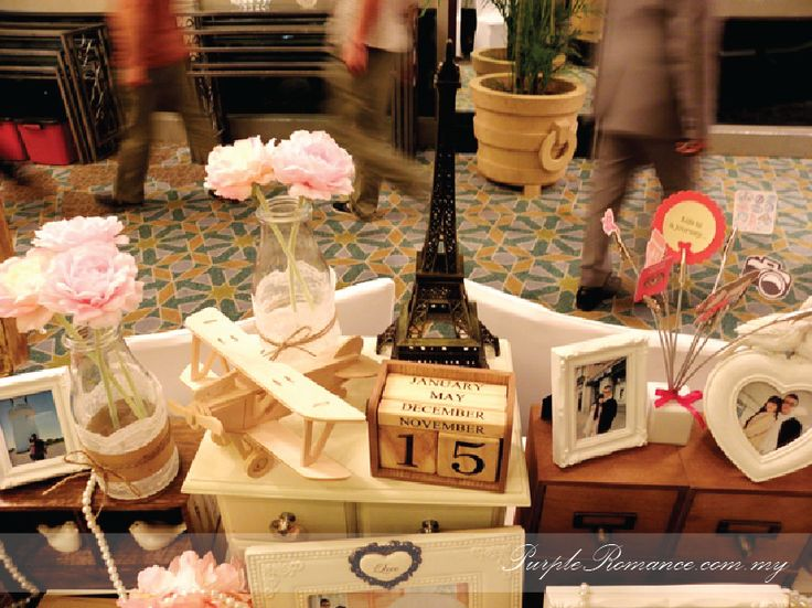 Photo album viewing table decoration wedding sweet love for Decoration table orientale
