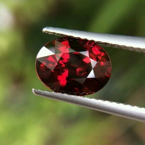"29 Likes, 3 Comments - Suma Boutique (@sumagemboutique) on Instagram: ""2.58 Carats Untreated Natural Vivid Color Reddish Orange Spessartite Garnet  Dimensions :…"""
