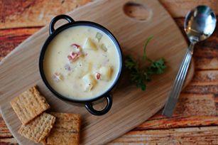 Soupe aux pommes de terre, au fromage et au bacon à la mijoteuse