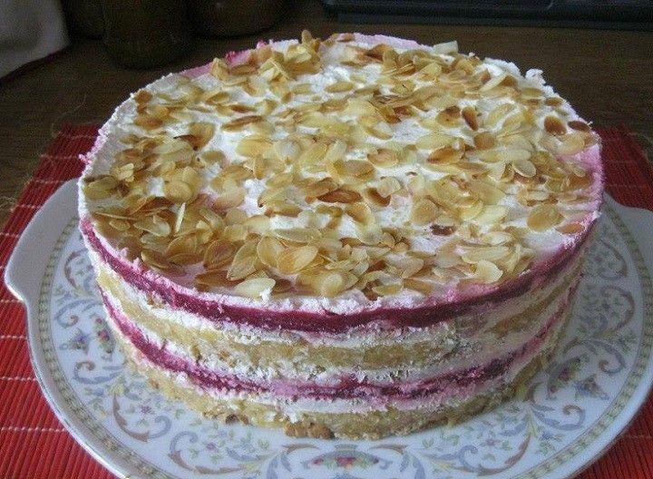 http://www.mindenegybenblog.hu/sutes-nelkuli-receptek/kekszes-meggyes-almas-torta-mindez