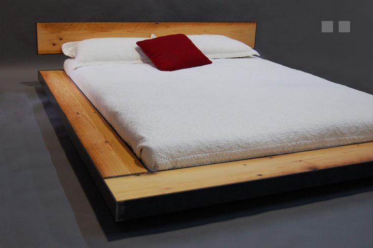 Li_3 base de lit en metal et bois recyclé recycled wood and steel bed