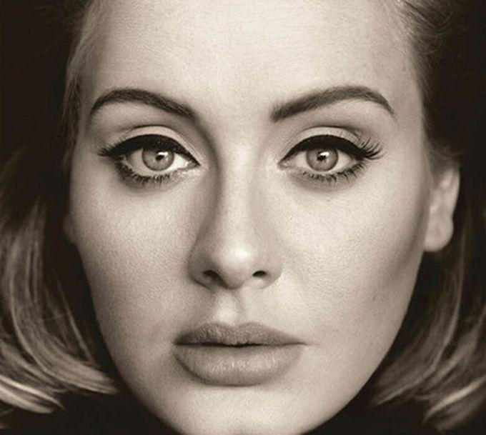 Adele, 25 Самая востребованная певица поколения, выросшая на песнях Blur, чей лидер Дэймон Албарн называет ее музыку «весьма посредственной», продолжает отсчет своей карьеры. До этого были «19» и «21», и теперь вот «25», разошедшийся за неделю тиражом в 3,4 млн экземпляров.