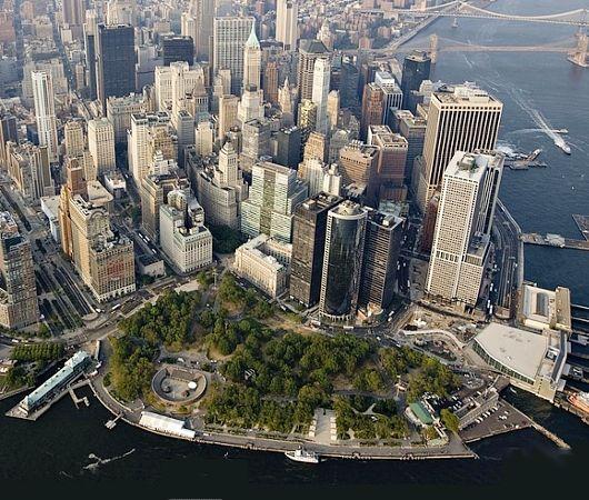 上から眺めるバッテリーパーク -ニューヨーク バッテリーパーク