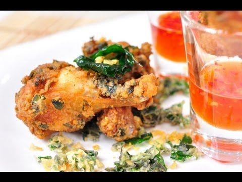 ไก่ทอดใบกะเพรา  Fried chicken wings with holy basil