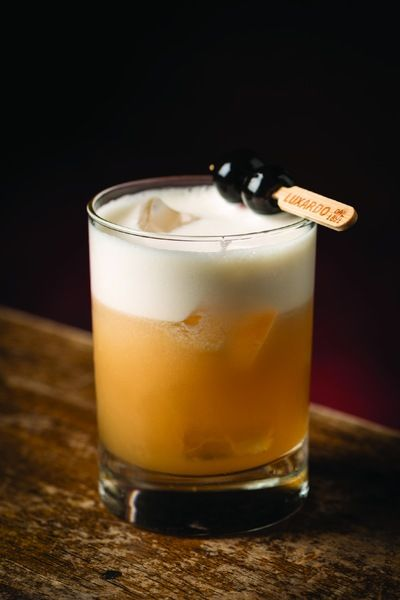 Amaretto Sour - I couldn't have a sour board without throwing the spotlight to the classic Amaretto Sour! #amaretto #sour #cocktail