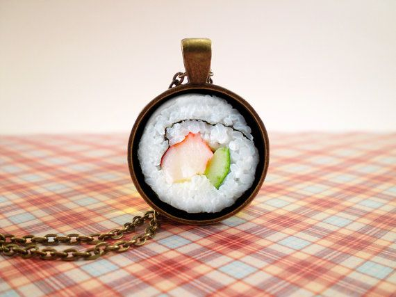 Sushi design glass pendant antique bronze tone por NiceOstrich, €12.00