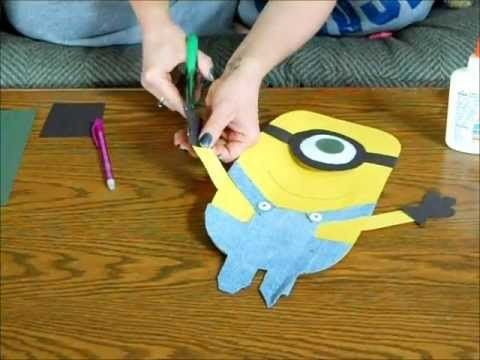 How to make a despicable me minion (paper and jeans)