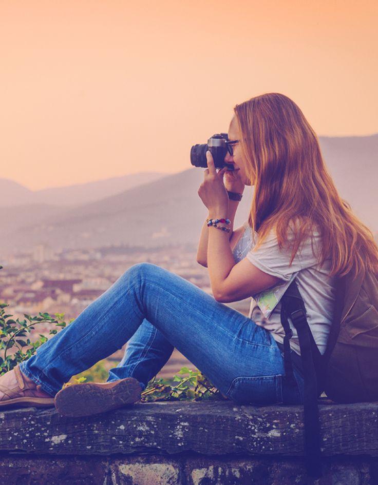 Parce qu'on peut avoir envie de voyager seule pour mieux se retrouver, ne penser qu'à soi et aller à la rencontre de l'autre, découvrez quinze destinations où voyager seule. Du Bhoutan à la Norvège en passant par le Maroc ou la Roumanie, choisissez votre prochaine escapade en photos.N.B. : avant chaque voyage, pensez à vérifier que la situation politique du pays ne présente aucun risque, sur le site du gouvernement français,