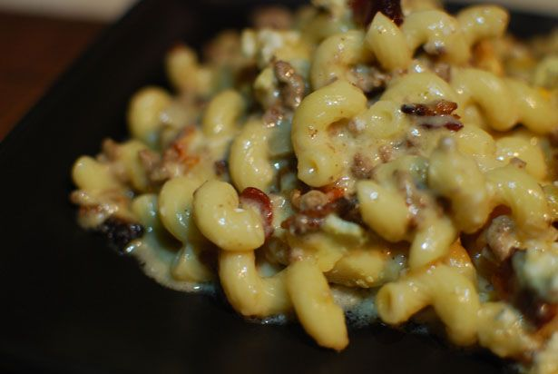 Bacon-Blue Burger Mac and Cheese - shut the front door.