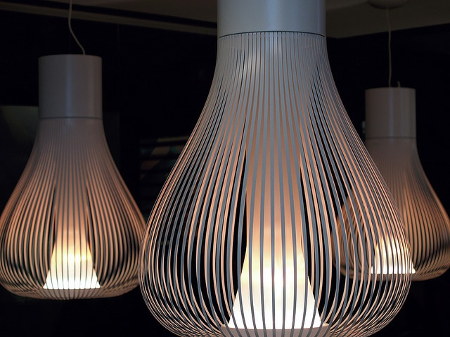 Lighting by kwikzilver, via Flickr