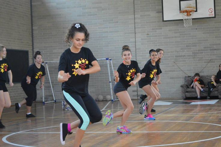 Hip Hop dance for the performance at the end of Camp!