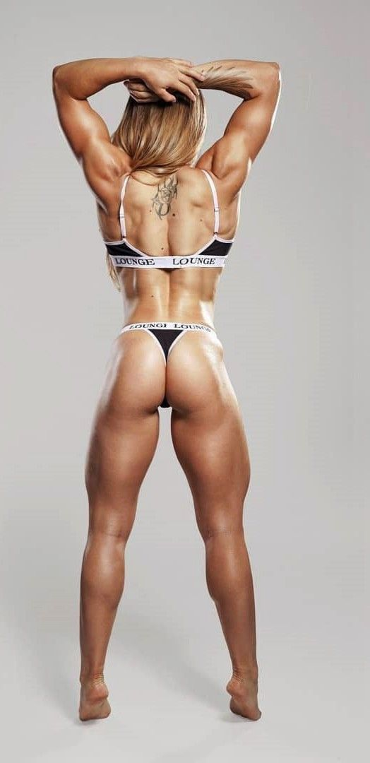 Sexy barefoot bodybuilding woman can