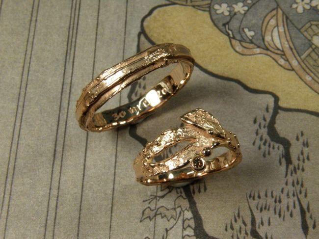 * wedding rings | oogst-sieraden * Trouwringen * Roodgouden dubbele was ring * Roodgouden twijgjesring met 0,03 crt natuurlijk bruine diamant * Maatwerk *