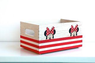 A008 Minnie Mouse. Caja de madera decorada en decoupage por El Piojito. www.elpiojito.es