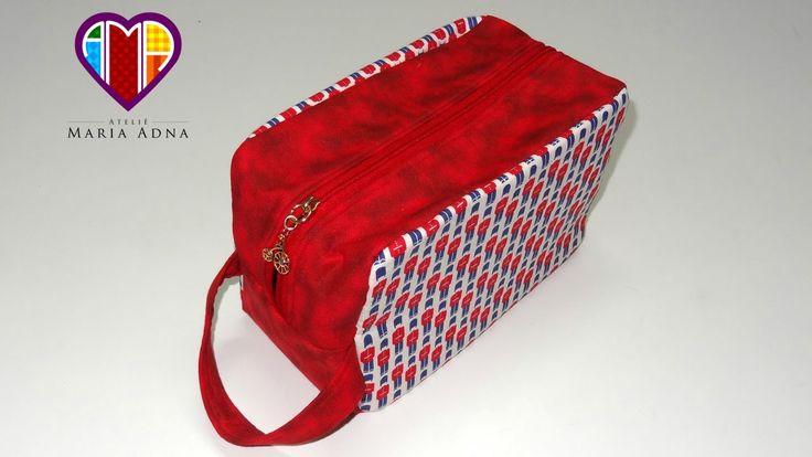 Bolsa necessaire em tecidos Inglesa - Aprenda a fazer esta peça e compre tecidos e acessórios no Maria Adna Ateliê - Endereço: Av. das Carinas, 739, Moema, São Paulo - Fones: 11-5042-0145 e 11-99672-8865 (WhatsApp) Email: ama.aulasevendas@gmail.com. Estacionamento próprio. FACEBOOK: https://www.facebook.com/MariaAdnaAtelie.