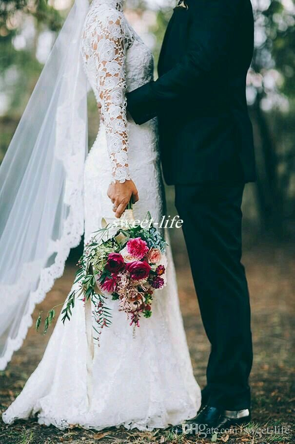 #winterwedding #wedding #customdreamgowns #weddinggphotography #bridalbouquet #bride #groom #christmaswedding