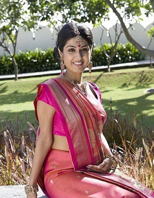 Gujarati Saree Draping Pinterest Saree Saree Blouse Designs And Sexy