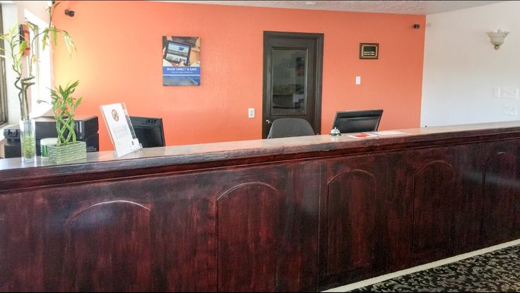Get direction to our Motel 6 Gresham-East located off of I-85 near beautiful Multnomah Falls, and Portland Airport. Gresham Oregon Hotel is situated at 1572 Ne Burnside Road, Gresham, OR 97030.