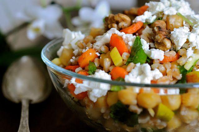 Perlebygsalat med kikærter, gulerødder, feta og valnødder - Julie Karla, Sunde Opskrifter, Low Carb Opskrifter