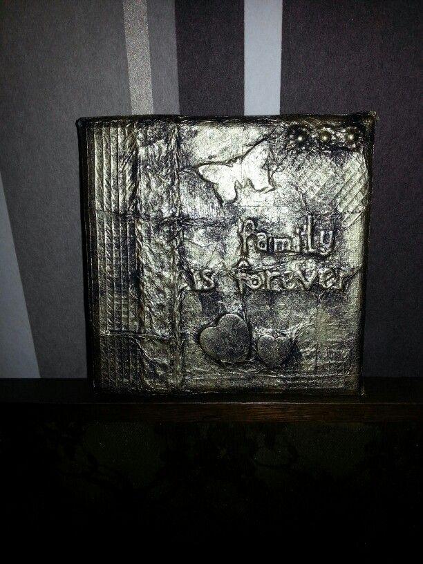 Metal tejp art