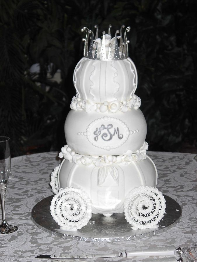 disneyland wedding cake flavors 17 best images about wedding cake on disney 13560