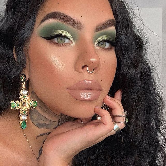 Stunning And Surprising New Looks: @ddblueberry Is STUNNING In Our New VENUS XL 2! 💚Also