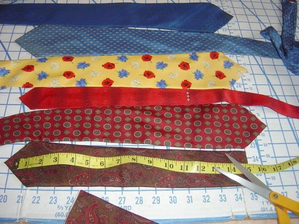 How to Craft a Necktie Pillow | Sallygoodin
