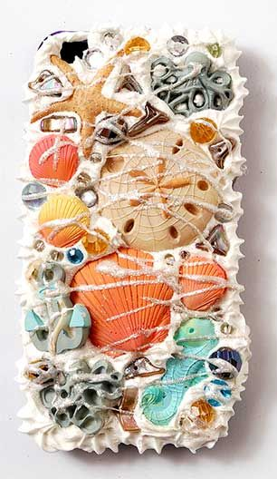 Sea Life Cell Phone Case - super fun decoden and mixed media crafting using #modpodge Collage Clay and Mod Melts #plaidcrafts
