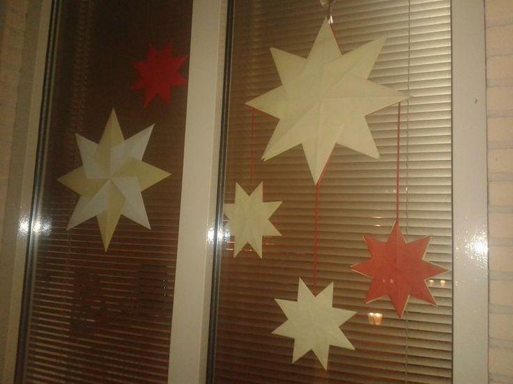Kerststerren van papier, leuk voor de ramen