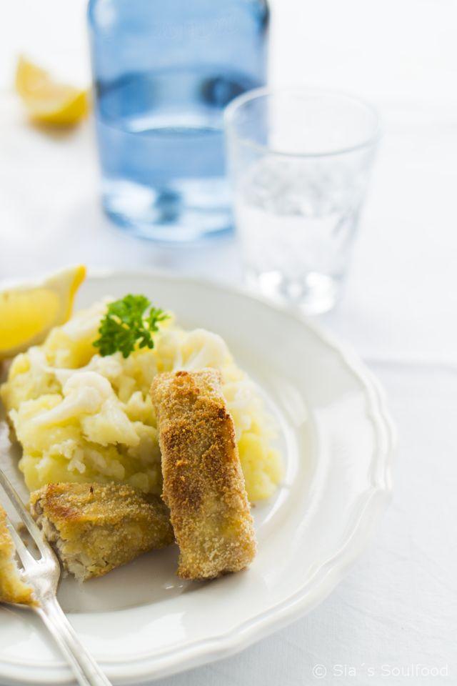 Fischstäbchen mit Blumenkohl-Kartoffel-Stampf I Fish sticks with mashed potatoes