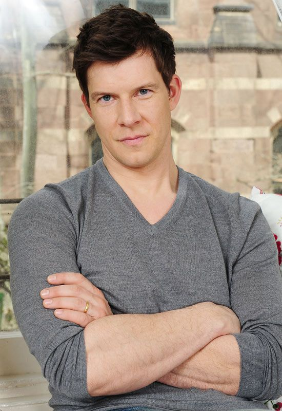 Eric Mabius [Signed Sealed & Delivered; Reading, Writing & Romance; How to Fall in Love]