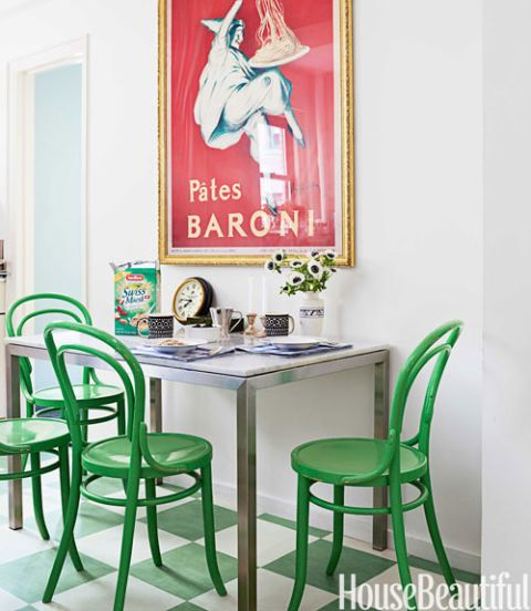 In this family kitchen, the Forbo linoleum floor and Bentwood chairs from Conran are practical and classic designs.