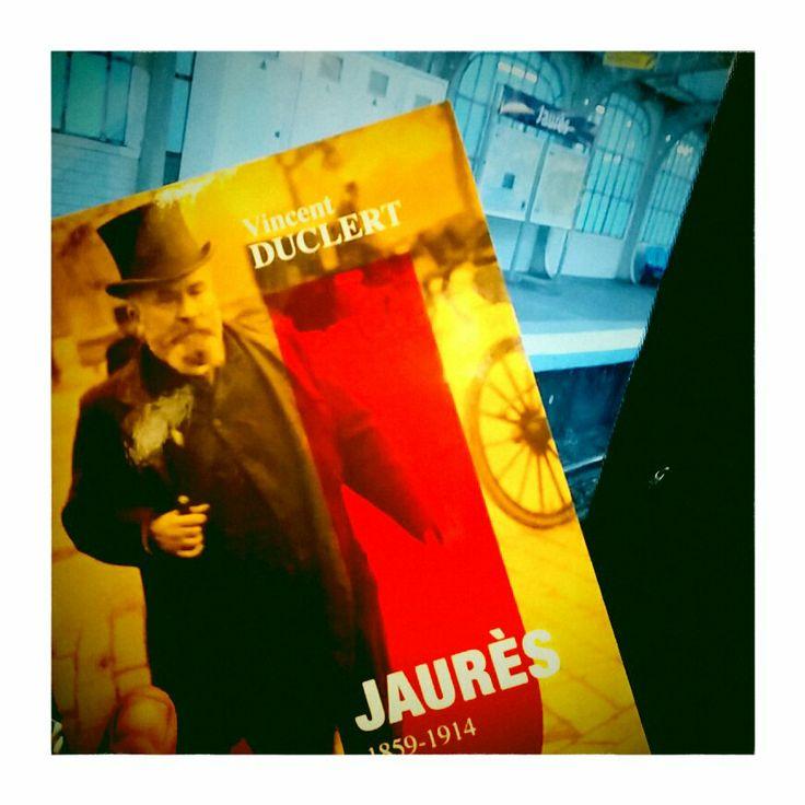 """""""Jaurès 1859-1914. La politique et la légende"""" par Vincent Duclert dans le métro à la station Jaurès (Paris)"""