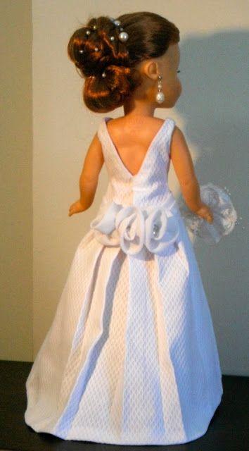 Vestido de novia para muñeca Nancy de Famosa.