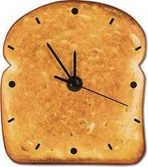 Relogio de cozinha: Toasti Clocks, Toast Clocks Jpg 350 328, Fun Clocks, Midnight Snacks, Wall Clocks, Toastclockjpg 350328, Food Clocks, Crazy Clocks, Ticking Tock
