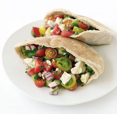 Low Cal, Low Carb: Sandwiches Recipes, Vegetarian Lunches, Pita Pockets, Mediterranean Diet, Mediterranean Recipes, Pita Sandwiches, Salad Pita, Summer Recipes, Greek Salad