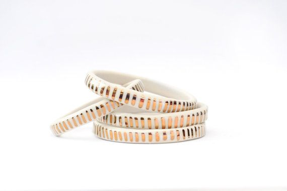 SIZE MEDIUM - Copper Dash Pattern - White Light - Ceramic Stoneware Bangle