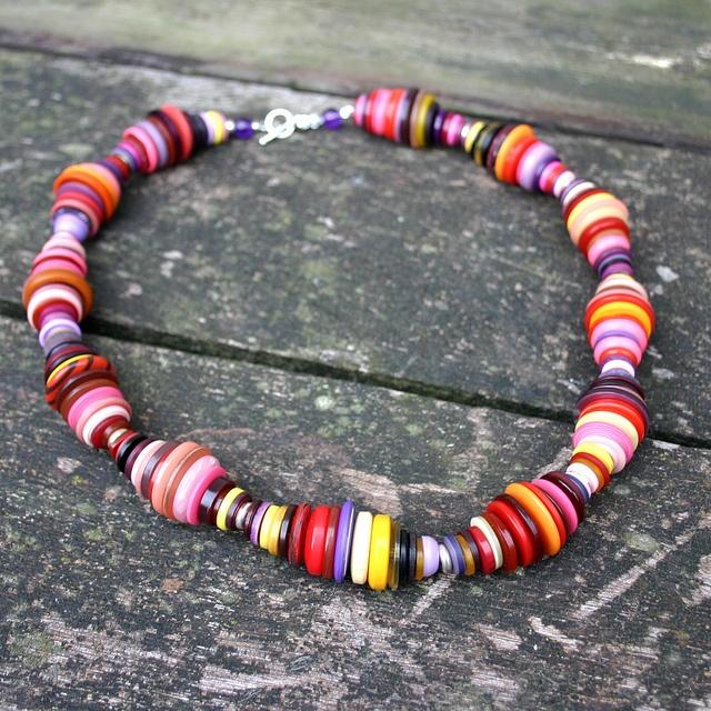 ketting of armband van verschillende knopen