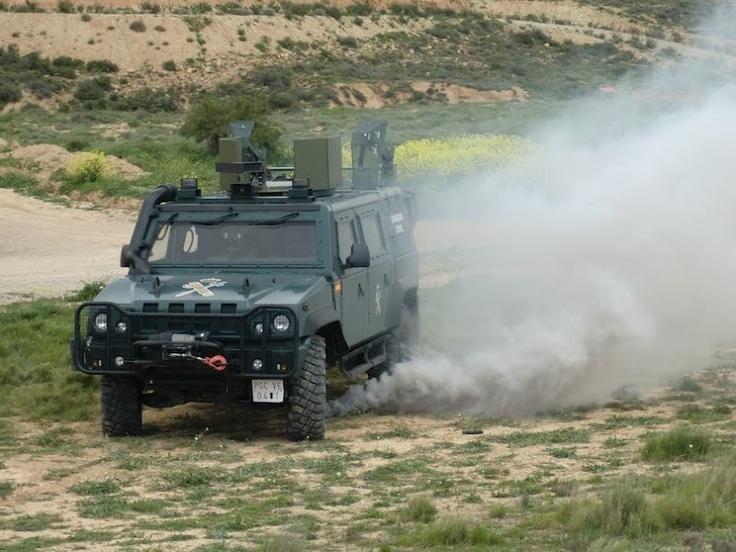 Maniobras con Todo Terreno de la Guadia Civil #guardiacivil http://replicas-airsoft.com