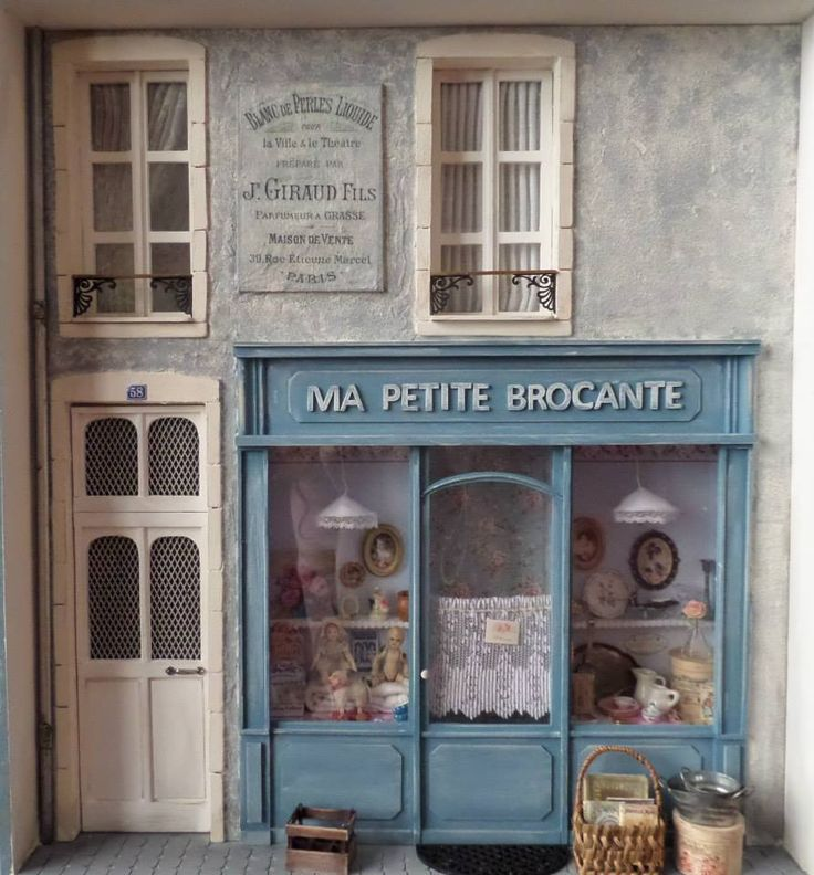 Brocante shop dollhouse exterior bric-a-brac