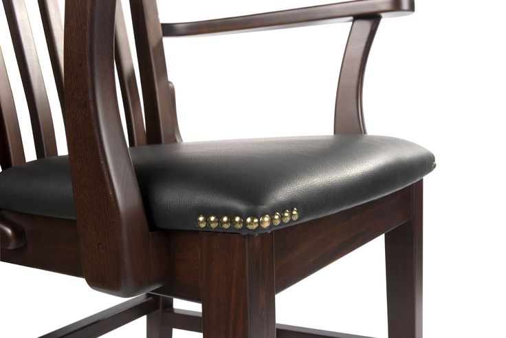 The wooden chair design by Klose. For the perfect dining room or restaurant.