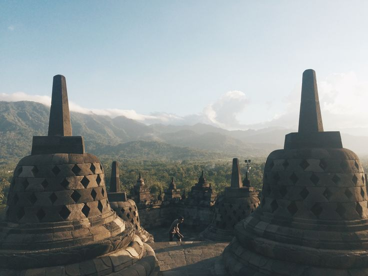 INDONESIA : day 5 and 6 day 5 we arrived to Yogyakarta and explored the city! try to ate local food and ried motorbike around the city. (: day 6 we went to Borobudur. its sooooooo far from our place! and i got this view.. why is so awesome  #borobudur #yogyakarta #indonesia #travel #backpacking #travee #thisismycartoonctlife