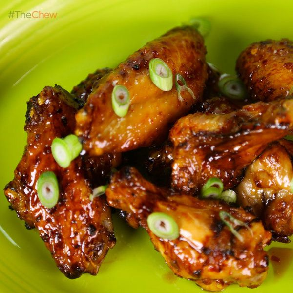 """Daphne Oz's """"Blow Your Mind"""" Baked Chicken Wings! #TheChew"""