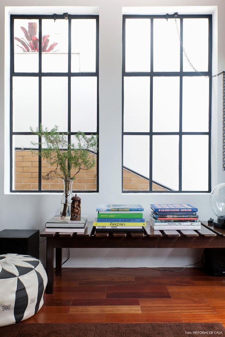 08-decoracao-sala-janelas-antigas-banco